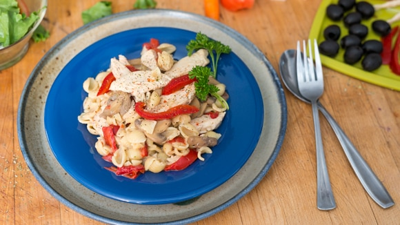 Creamy Garlic & Roasted Red Pepper Pasta
