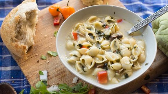Florentine Garlic Shell Soup