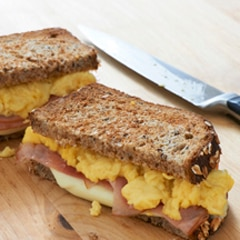 Fluffy Scrambled Egg & Ham Sandwiches